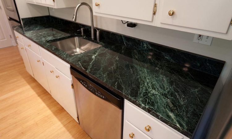 Green Marble Kitchen Countertop 750x450 1